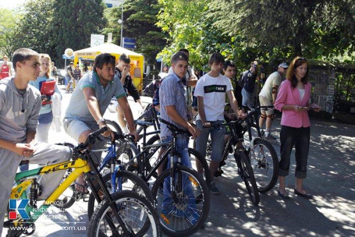 На набережной Ялты открыли первую велопарковку