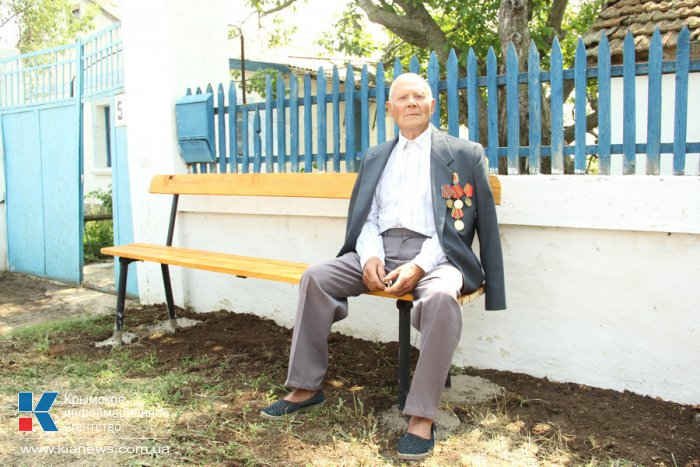 В Симферопольском районе ветеранам войны помогли благоустроить дворы