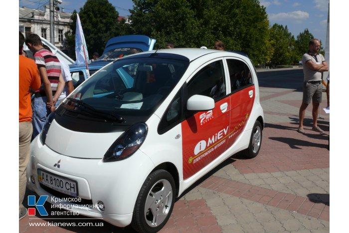В Симферополь приехали необычные автомобили
