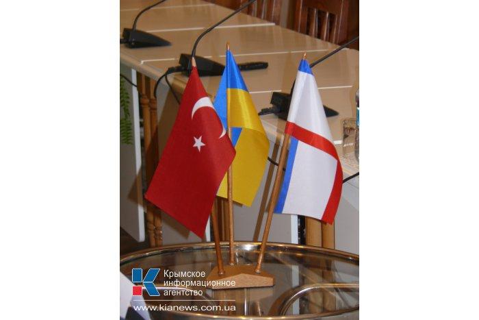 Спикер Крыма пригласил Генконсула Турции посетить достопримечательности
