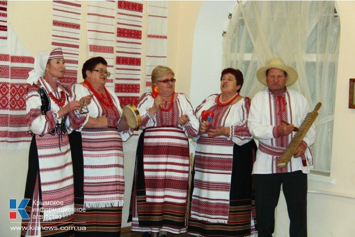 В Симферополь привезли волынскую вышивку