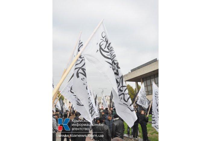 Политическая партия «Хизб-ут Тахрир» проводит в Симферополе митинг