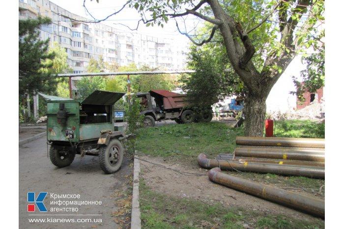 В Симферополе ремонтируют теплотрассу