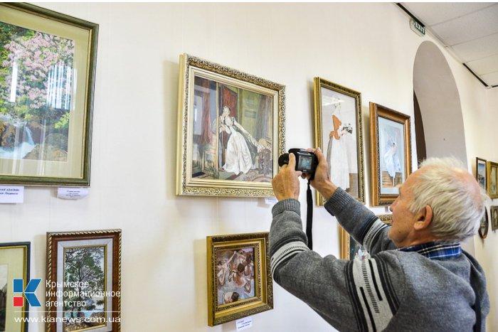В Севастополе открылась выставка «Мелодия шелка»