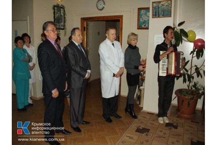 Жительницу Симферополя поздравили со 100-летним юбилеем