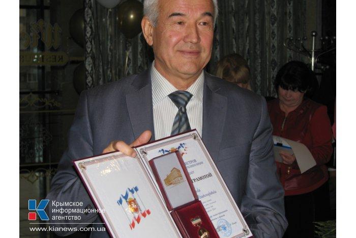 В Симферополе поздравили автомобилистов и работников дорожной службы
