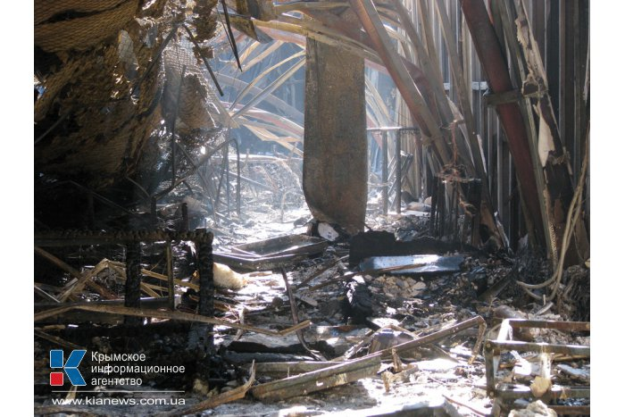 В милиции подозревают, что торговый центр в Симферополе был подожжен