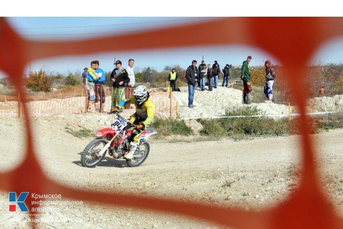 В Симферополе посоревновались гонщики на мотоциклах