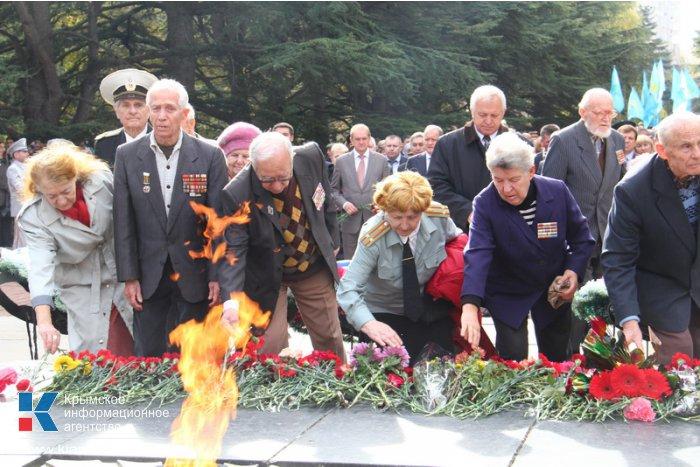 В Симферополе отметили годовщину освобождения Украины от фашистов