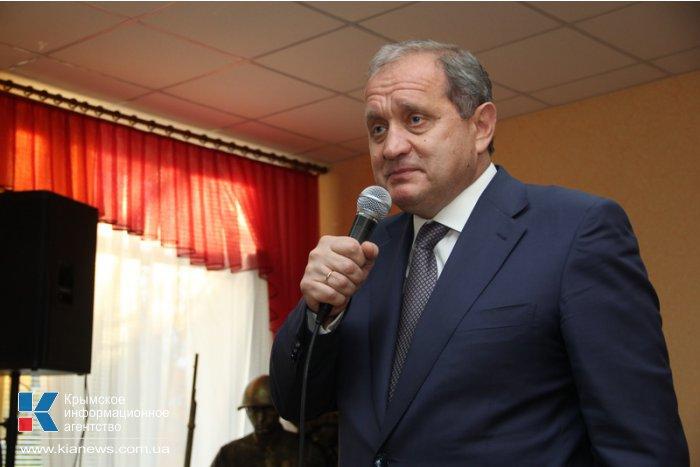 Премьер Крыма поздравил ветеранов войны с годовщиной освобождения Украины