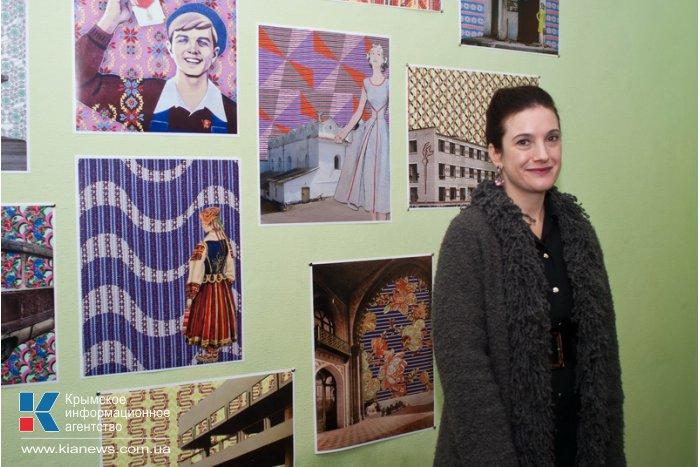 В Севастополе открылась выставка калифорнийской художницы