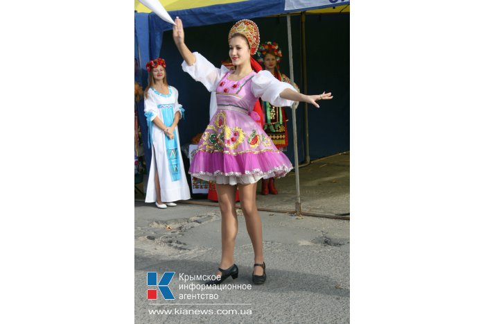 В Симферополе провели третью осеннюю ярмарку