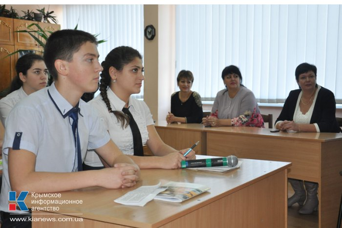 В школах Крыма провели уроки о Керченско-Эльтигенской операции