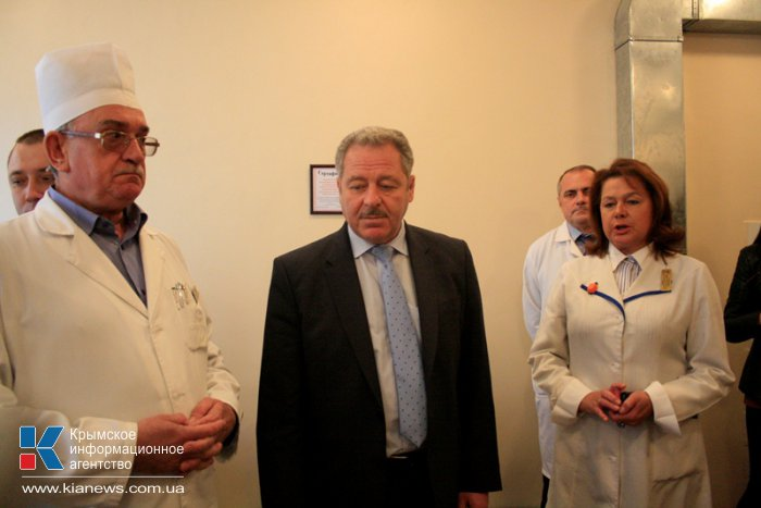 В онкодиспансере Симферополя презентовали новый маммограф