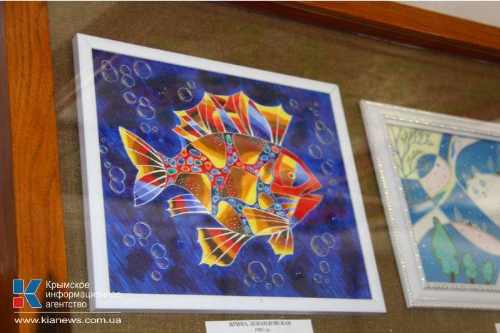 В Симферополе открылась биеннале самодеятельных художников