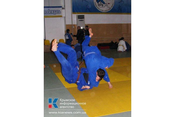 Спикер Крыма побывал на тренировке у дзюдоистов