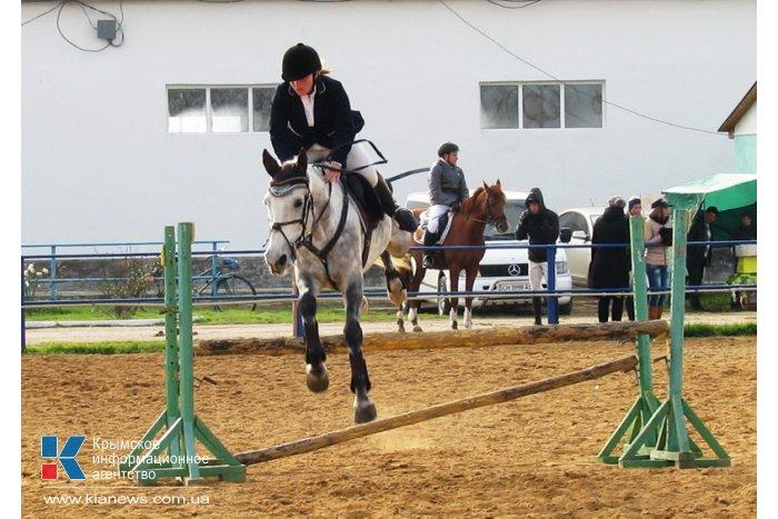 Кубок премьера Крыма по конному спорту заполучила 16-летняя девушка
