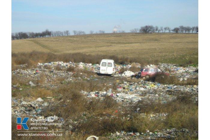 Вокруг аэропорта в Симферополе обнаружили свалки мусора