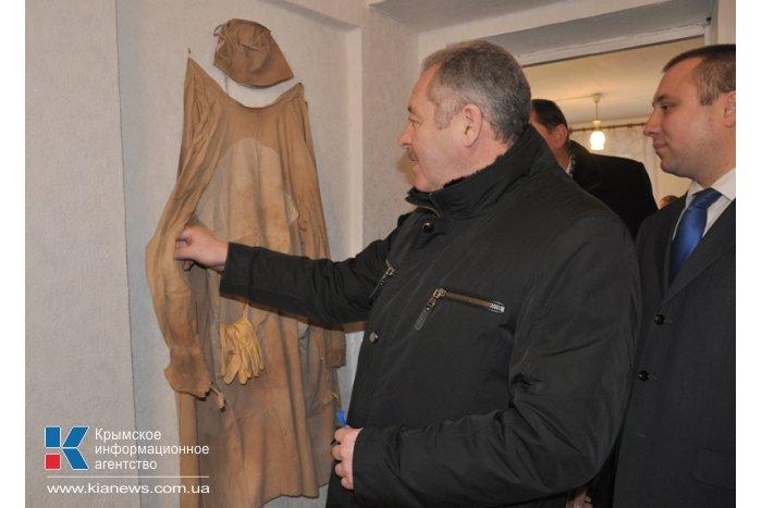 В Старом Крыму открыли памятник кардиохирургу Амосову