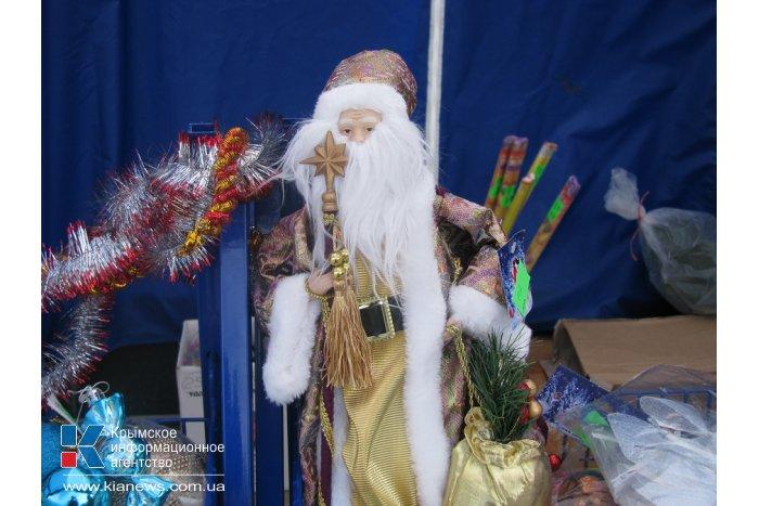 В Симферополе открыли новогоднюю ярмарку