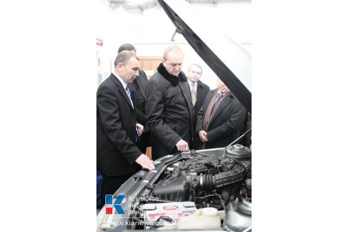 Первый вице-премьер посетил обучающий центр при Крымском центре занятости