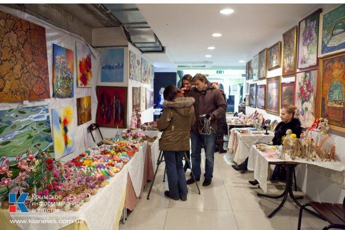 В Севастополе открылась ярмарка «Рождественские традиции»