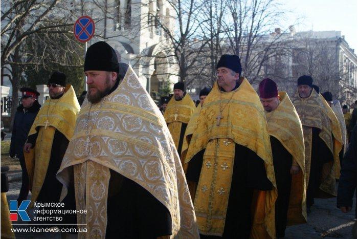 В Севастополе в День Андрея Первозванного провели крестный ход