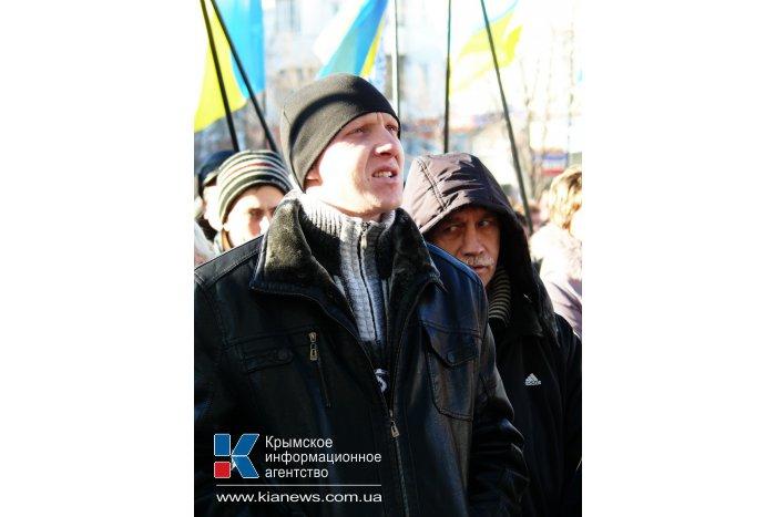 В Киев с лозунгами «Украина – не майдан» уехала еще тысяча крымчан