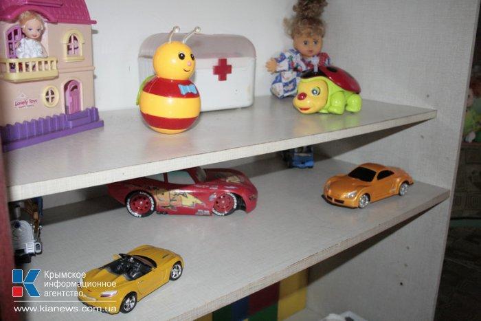 В Симферополе детское психиатрическое отделение получило новые стулья