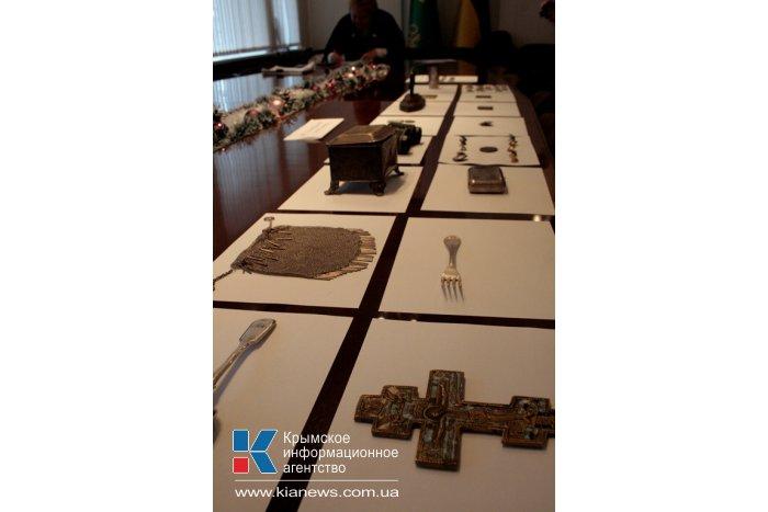Крымская таможня передала 123 раритета в фонды музеев полуострова