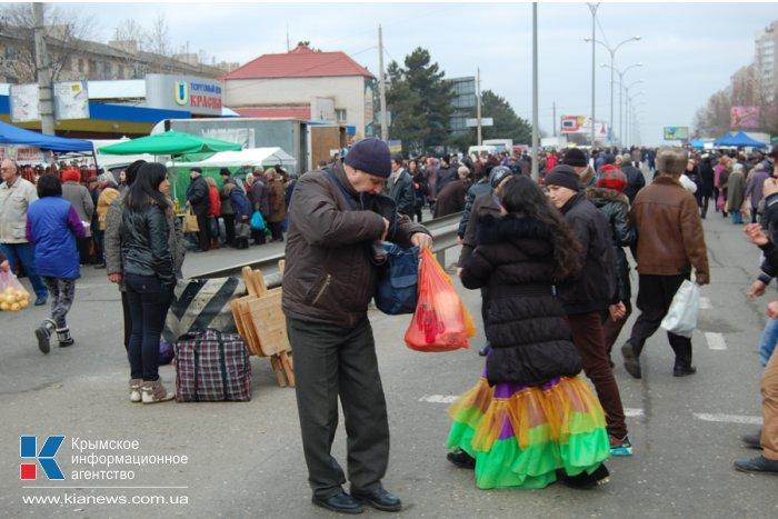 В Симферополе прошла предновогодняя ярмарка