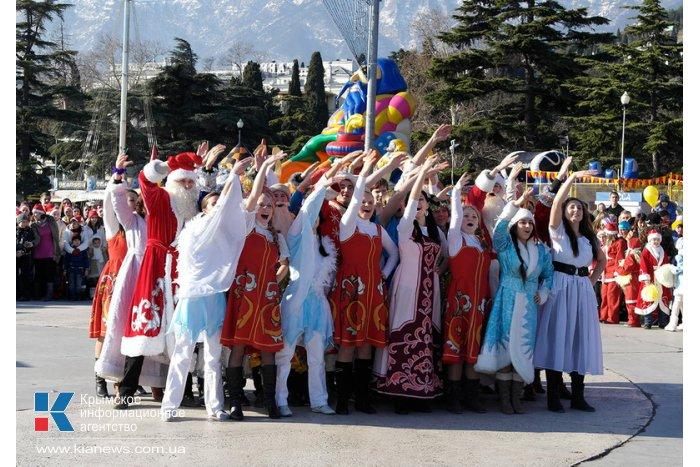 "Фестиваль ""Мороз-парад"" в Ялте. КрымФАН."