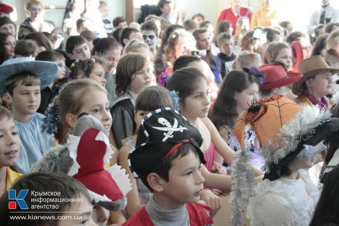 Крымский спикер поздравил школьников Научного с новогодними праздниками
