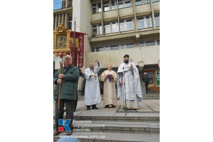 В Алуште прошел Рождественский крестный ход