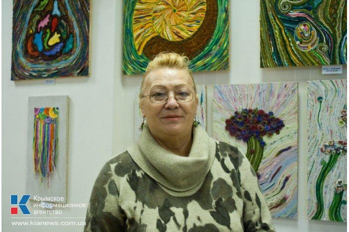 В Севастополе проходит выставка нетканого гобелена