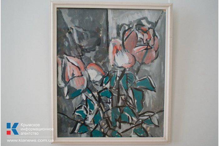 В Севастополе проходит выставка крымского абстракциониста
