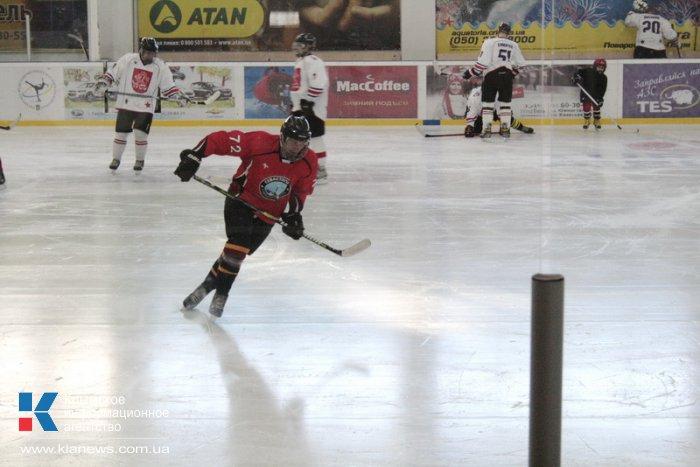 В Симферополе прошел первый матч крымской хоккейной лиги