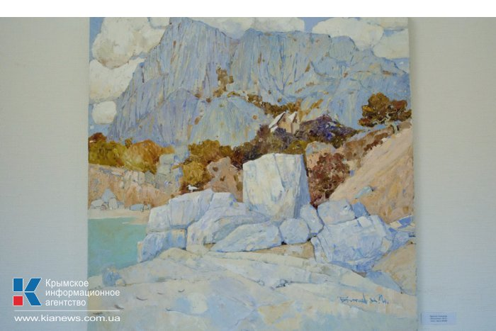 В Севастополе проходит выставка крымских пейзажей