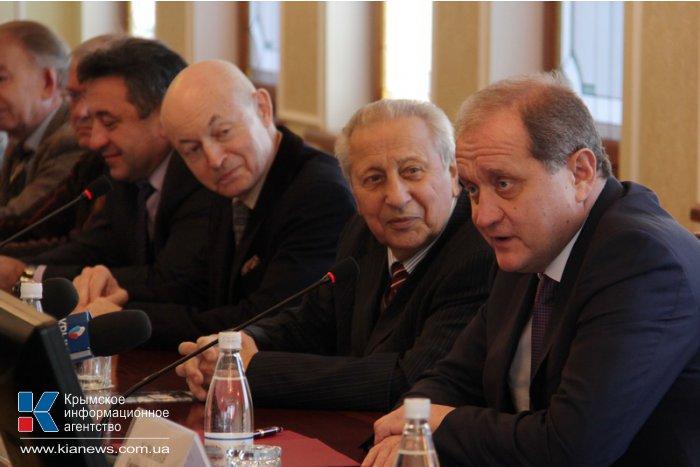 Крымский премьер встретился с творческой интеллигенцией АРК