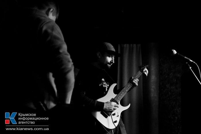 В Севастополе провели битву гитаристов