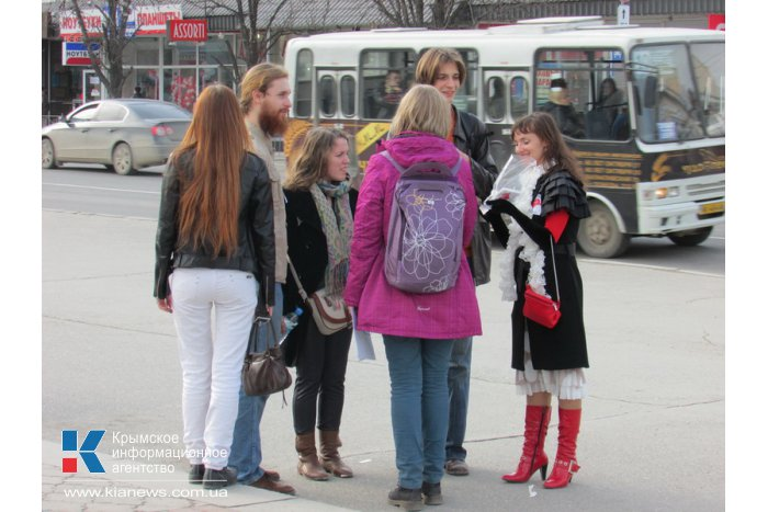 В Симферополе прошла акция «Счастливые объятия»