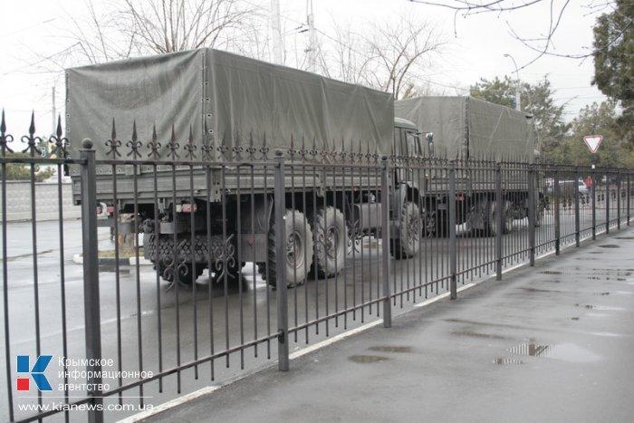 Военные обеспечивают безопасность в аэропорту Симферополя, – служба безопасности аэропорта