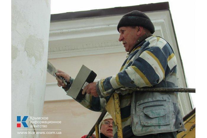 Реконструкция площади перед парком Шевченко в Симферополе подходит к концу