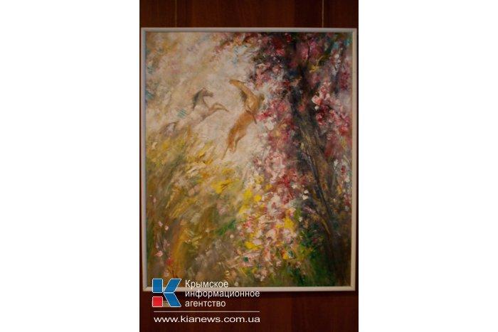 В Севастополе открылась выставка «Весна. Женщина. Цветы»