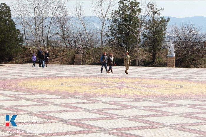 В парке львов в Белогорском районе построили вертолетную площадку