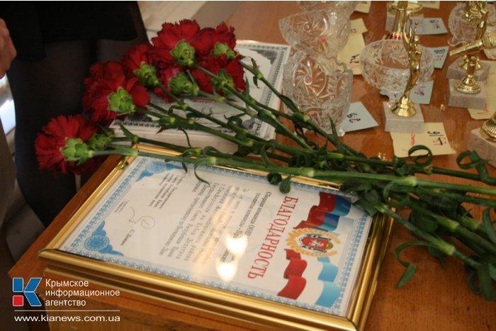 В Симферополе ко Дню здоровья провели флешмоб