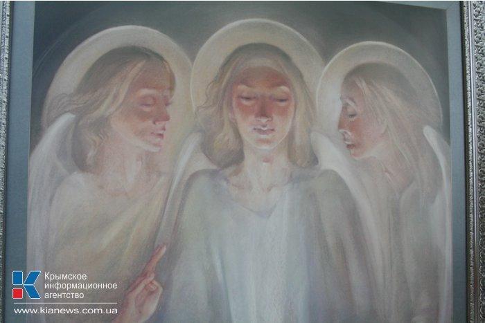 В Симферополе открылась юбилейная выставка крымской художницы