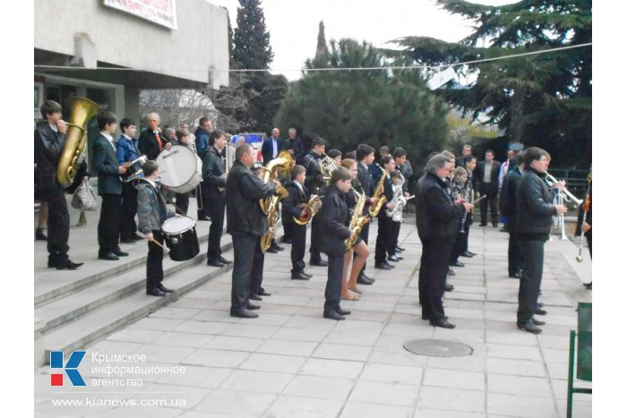 В Алуште проходят торжества в честь 70-летия освобождения города от фашистов