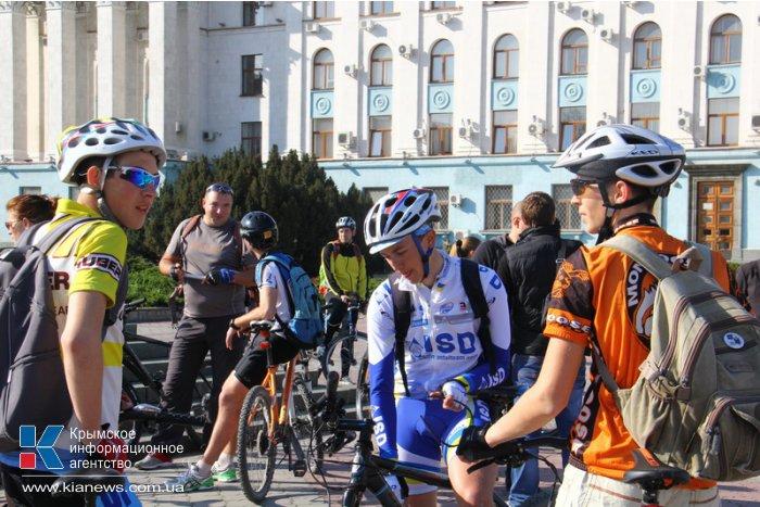 В Симферополе открыли велосипедный сезон
