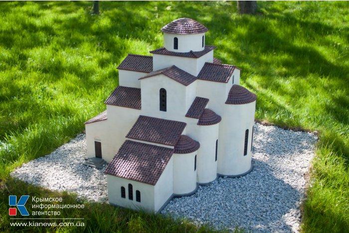 В Севастополе открылась выставка «Древний Херсонес в миниатюре»